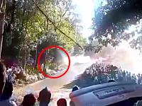 妊婦さんを含む6人が亡くなったラリーカー観客突っ込み事故の映像。