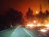 これは怖すぎないwww山火事の中を走る車から撮影した映像がマジ地獄ww
