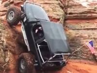 これは積んでるだろwwwと思われたが。垂直に近い岩を登ってしまうジープの映像。