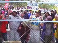 辺野古キャンプシュワブ前で抗議する沖縄人を内側から撮影したビデオがコワイ(°_°)