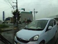 事故の瞬間ドライブレコーダー。すごいタイミングで右折してきた軽四と衝突。