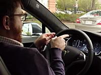 車の自動運転はここまで来た!テスラのモデルSのモデルDに搭載されたオートパイロットを体験してみた動画。