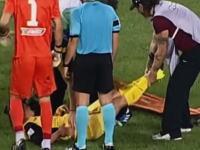 これは酷いwwwサッカーで担架で運ばれた負傷者の扱いがあまりにも酷いwww