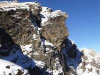 スイスで山の形が変わってしまう瞬間の映像が撮影される。メキメキゴゴゴゴ・・・。
