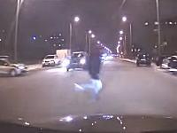 世界のギリギリセーフだった人たち。車載ビデオ編。57秒からのヤツ危険すぎwww