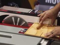 切断機に搭載された安全装置が凄い。これなら指を飛ばされなくて済む動画。