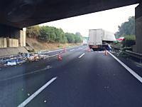 今朝の常磐道の大事故の現場を通りかかったトラックのドライブレコーダー映像。