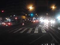松山市の殺される気マンマンなチャリンカス。3車線道路を無理に横断して轢かれかける。