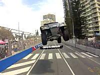 飛びすぎwwwSSトラックのバックオンボード映像がゲームみたいすぎるwww