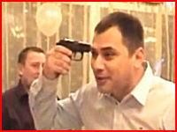 おそロシア。結婚式の余興でロシアンルーレットをやったら本当に弾が発射されてしまった。