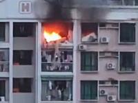 マンション火災でベランダから逃れようとしていた全裸の女性が8階から落下してしまう瞬間。