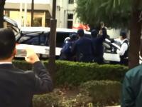稲城市役所で大捕り物。放火から逃走~パトカー強奪から逮捕までの一部始終を記録していた動画。