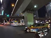 信号無視のタクシーに殺されかけた!というビデオがどう見てもうp主のが悪い。当てられ屋。