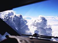 素晴らしいフライトデッキからの眺め。旅客機のパイロットとして働くという事。