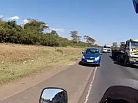 ライダーにとって危険極まりない国。それがケニア。交通マナー悪すぎワロタwww
