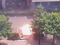 ジャカルタで起きたテロ事件で犯人が自爆する瞬間を記録していた映像がみつかる。イスラム国。