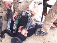 シリア内戦。カメラの目の前で撃たれてしまった戦闘員のビデオ。あ゛あ゛あ゛あ