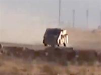 イスイス動画。陣地めがけて突っ込んでくる自爆トラックとイラク軍の戦い。