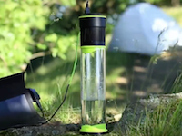 空気から飲料水を作り出すことのできるボトルがすごい。1時間に0.5リットル作れる。