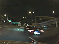 はっやwww首都高をかっ飛ばすマクラーレンP1が撮影される。何キロ出してんのよww