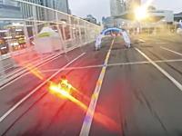 韓国で行われたドローンエアレース優勝者のオンボードビデオ。ドローンショーコリア