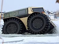 ロシアが作った巨大なチョロQのような全地形対応車「SHERP」のビデオ。