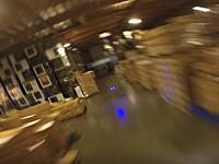 倉庫でドローンレースやってみた。これがなかなかの迫力で面白そうじゃないか動画。
