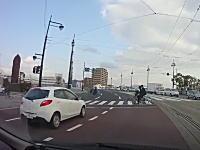 この交差点は事故が多そう。広島の御幸橋西詰交差点は通り慣れてないとちょっと怖い。
