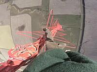 高さ475メートル。恐ろしく高い電波鉄塔に命綱無しで登る男の映像が怖すぎる。