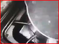 【バーカブック】ネットに投稿されたネコに熱湯をかける男の動画が問題になる。