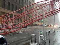 NY中心部で起きたクレーン倒壊事故の瞬間の映像がキタゾ!これは長すぎる(´°_°`)