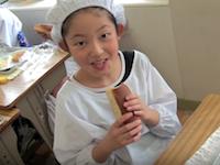 日本の小学校の給食の様子を撮影した映像が海外で大絶賛。グッド評価98.9%