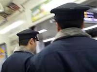女性専用車両許さない隊に絡まれた神戸市営地下鉄の職員さんたちが大変そう。