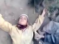 フェイスブックに投稿された自爆テロの真似事をして遊ぶ子供達の映像。