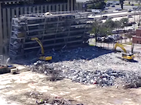 この解体屋さん死ぬ気かよwww駐車場の解体で生き埋めになって死ぬところだった。