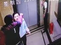 酔ってエレベーターのドアをけ破った中国人。シャフトに落ちるwww