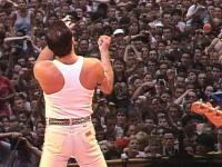 クイーン伝説のライブ「ライヴエイド(LIVE AID)1985」これは何度見ても震える。