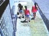 アシッドアタック(硫酸攻撃)犯行の瞬間。帰宅中の女性が元夫に襲われるビデオ。