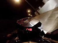 見てるだけで冷や汗。夜道で飛ばしまくるGSX-R600乗りの映像にガクブルした。