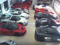 大富豪のガレージ訪問。KARグループ創設者のカーコレクションが凄い。