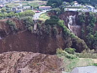 熊本大震災の現場。産経さんが高画質な空撮映像を投稿してくれる。すごいなこれ。
