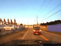 高級車が事故るとこうなる動画。衝撃から25秒後には繋がるヘルプネット「事故ですかー?」