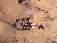 イスイスの石油採掘場を空爆。命中する瞬間まで爆弾がはっきり見える高画質映像。