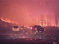 大規模な森林火災から逃れようと逃げ惑う車の車載映像が怖すぎるだろ(((゚Д゚)))