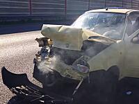 ボルボXC70強すぎwwwボルボに追突して大破したフィアットと追突されたボルボの差がwww