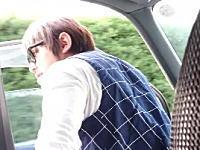 高速道路を走行中に助手席のドアを開けて放尿するDQNの映像が炎上中www