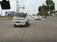 DQN運転。豊田市で撮影された信じられない暴走トラックに恐怖するドラレコ映像。