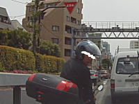 クラクションはトラブルの元。環七でDQNスクーターに車を殴られたドラレコ車載。