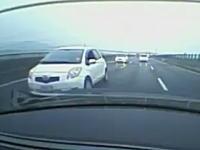 高速道路でBMW M5に対抗しようとべた踏みで追いかけてきたトヨタヴィッツが(´・_・`)