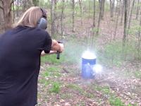 グロック17の改造銃によるフルオート射撃つおすぎwww1200発/分www